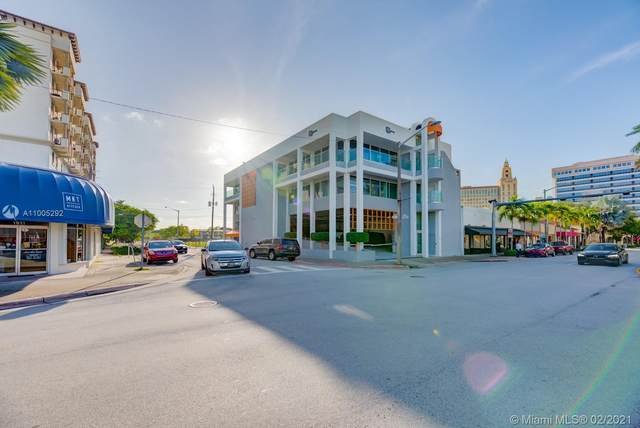 1901 Ponce De Leon Blvd, Coral Gables, FL 33134 (MLS #A11005292) :: Prestige Realty Group