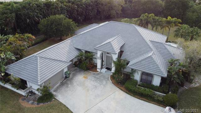 14984 Roan Ct, Wellington, FL 33414 (MLS #A11005452) :: United Realty Group