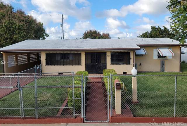 11535 SW 142nd St, Miami, FL 33176 (MLS #A11005537) :: Berkshire Hathaway HomeServices EWM Realty