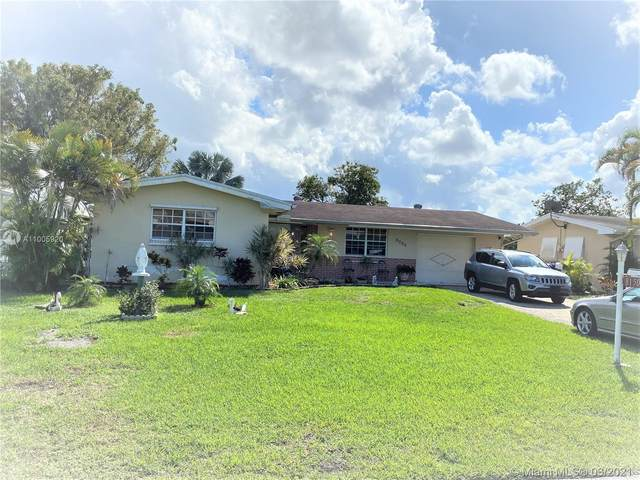 8150 NW 15th St, Pembroke Pines, FL 33024 (MLS #A11005920) :: The Riley Smith Group