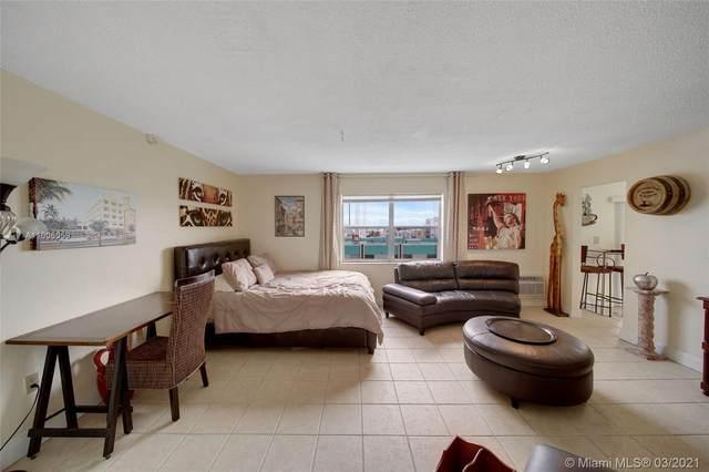 730 Pennsylvania Ave #703, Miami Beach, FL 33139 (MLS #A11006059) :: The Riley Smith Group