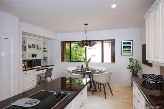 2000 S Bayshore Dr #1, Miami, FL 33133 (MLS #A11006145) :: Green Realty Properties