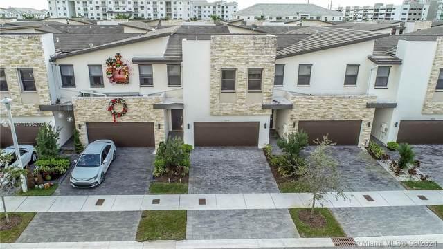 10550 NW 79th St, Doral, FL 33178 (MLS #A11006379) :: Berkshire Hathaway HomeServices EWM Realty