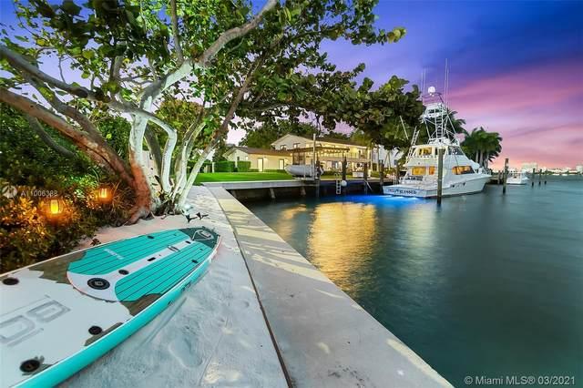 12385 Keystone Island Dr, North Miami, FL 33181 (MLS #A11006388) :: Prestige Realty Group