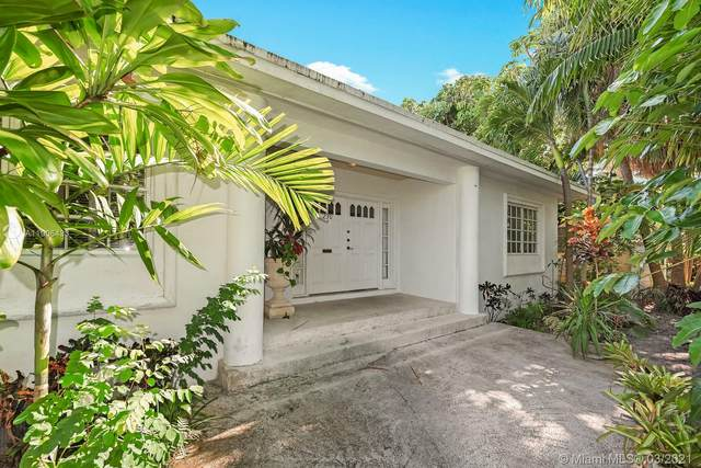 230 Buttonwood Dr, Key Biscayne, FL 33149 (MLS #A11006433) :: The Paiz Group