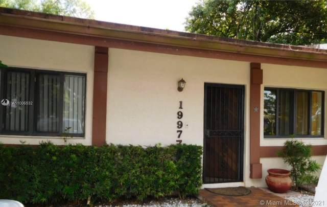 19977 NE 6th Ct 8Z, Miami, FL 33179 (MLS #A11006532) :: The Rose Harris Group