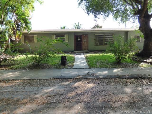 882 NE 154th St, Miami, FL 33162 (MLS #A11006738) :: The Riley Smith Group