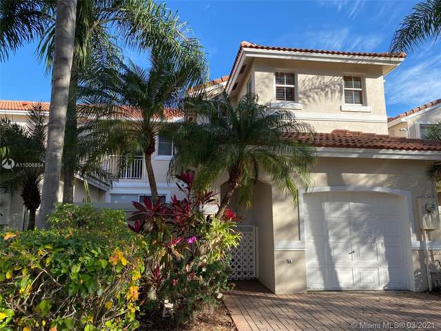 1125 Cliffrose St, Hollywood, FL 33019 (MLS #A11006854) :: The Riley Smith Group