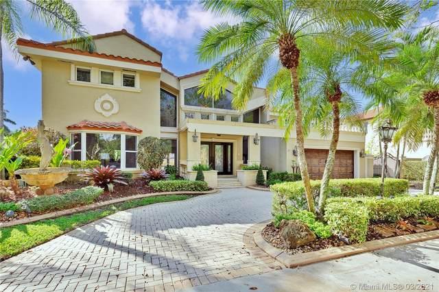 16338 NW 86th Ct, Miami Lakes, FL 33016 (MLS #A11006866) :: Berkshire Hathaway HomeServices EWM Realty