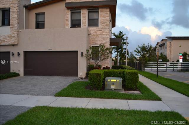 7813 NW 104th Ct #7813, Doral, FL 33178 (MLS #A11007008) :: Berkshire Hathaway HomeServices EWM Realty