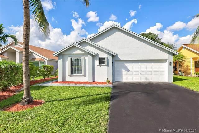 9981 NW 45th St, Sunrise, FL 33351 (MLS #A11007056) :: Berkshire Hathaway HomeServices EWM Realty