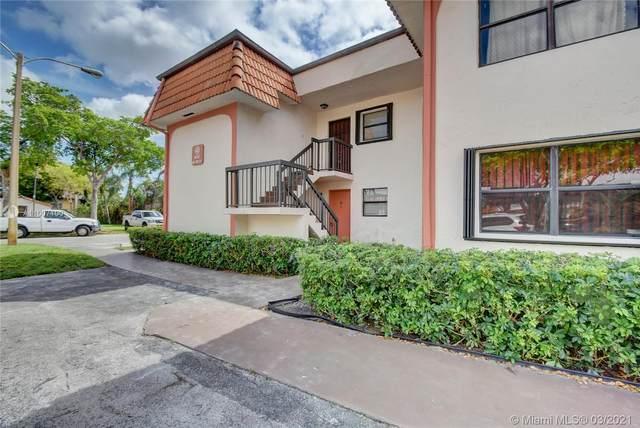 902 NE 209th St #101, Miami, FL 33179 (MLS #A11007100) :: Castelli Real Estate Services