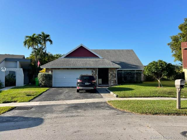 9640 NW 32nd Mnr, Sunrise, FL 33351 (MLS #A11007281) :: Berkshire Hathaway HomeServices EWM Realty