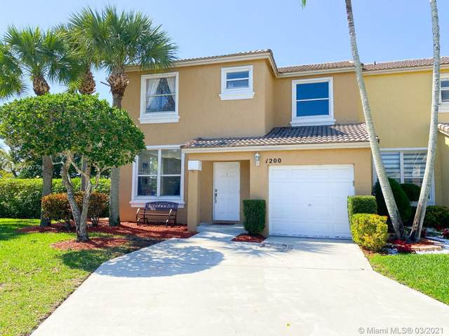 1200 NW 154th Lane, Pembroke Pines, FL 33028 (MLS #A11007798) :: Castelli Real Estate Services
