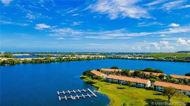 904 Republic Ct, Deerfield Beach, FL 33442 (MLS #A11007917) :: The Teri Arbogast Team at Keller Williams Partners SW
