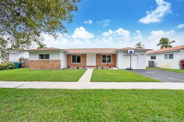 21214 NE 19th Ct, Miami, FL 33179 (MLS #A11008088) :: The Riley Smith Group