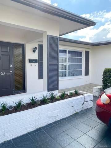 5400 NW 51st Ave, Tamarac, FL 33319 (MLS #A11008224) :: Team Citron