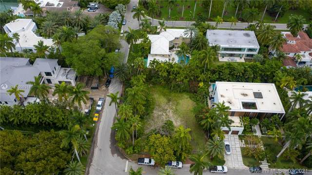 2555 Shelter Ave, Miami Beach, FL 33140 (MLS #A11008318) :: The Jack Coden Group