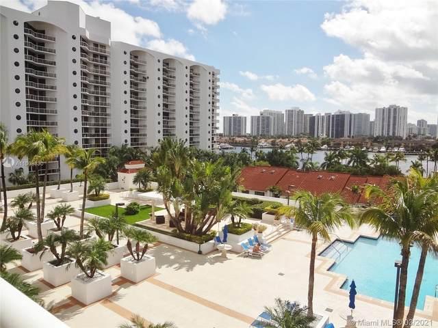 3640 Yacht Club Dr #401, Aventura, FL 33180 (MLS #A11008330) :: Berkshire Hathaway HomeServices EWM Realty