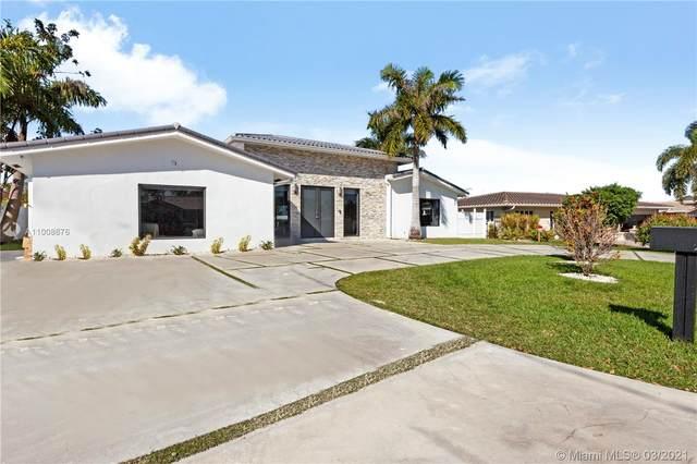 2761 NE 55th St, Fort Lauderdale, FL 33308 (MLS #A11008676) :: GK Realty Group LLC