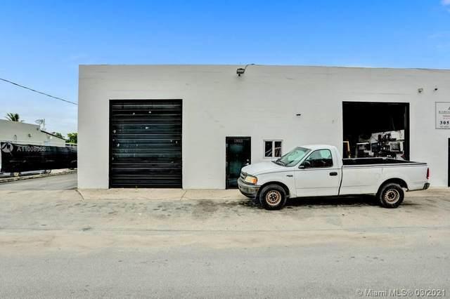 13005 NE 14th Ave, North Miami, FL 33161 (MLS #A11008968) :: Berkshire Hathaway HomeServices EWM Realty