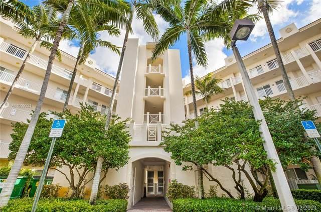 3600 Oaks Clubhouse Dr #305, Pompano Beach, FL 33069 (MLS #A11009221) :: Castelli Real Estate Services