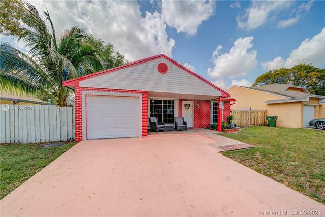 1240 SW 85th Ave, Pembroke Pines, FL 33025 (MLS #A11009325) :: Prestige Realty Group