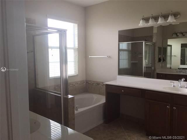 5213 SW 78th Ter #5213, Davie, FL 33328 (MLS #A11009450) :: Castelli Real Estate Services