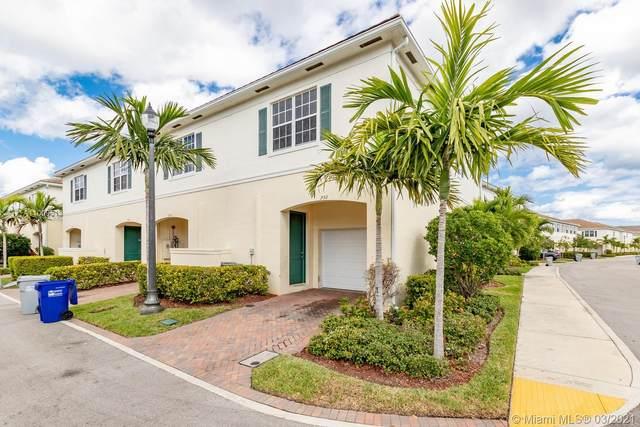 730 SW 1st Way, Pompano Beach, FL 33060 (MLS #A11009513) :: Castelli Real Estate Services