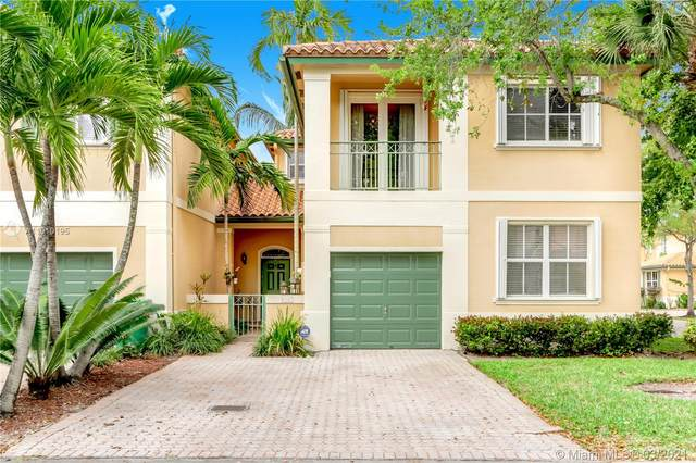 8367 NW 142nd St, Miami Lakes, FL 33016 (MLS #A11010195) :: The Paiz Group