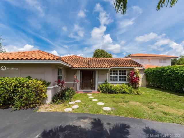 11343 SW 73rd Ln, Miami, FL 33173 (MLS #A11010608) :: The Jack Coden Group