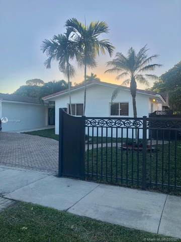 3114 SW 98th Ct, Miami, FL 33165 (MLS #A11011209) :: The Riley Smith Group