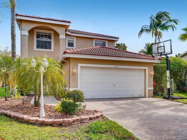 4777 NW 120th Way, Coral Springs, FL 33076 (MLS #A11012982) :: The Howland Group