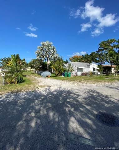 2549 NE 190th St, Miami, FL 33180 (MLS #A11013054) :: The Rose Harris Group