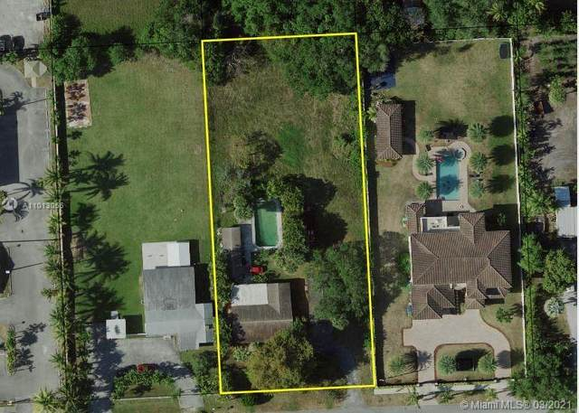 131 NW 154th St, Miami, FL 33169 (MLS #A11013056) :: The Riley Smith Group