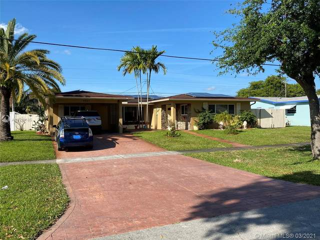 6561 SW 9th St, Pembroke Pines, FL 33023 (MLS #A11013185) :: The Riley Smith Group