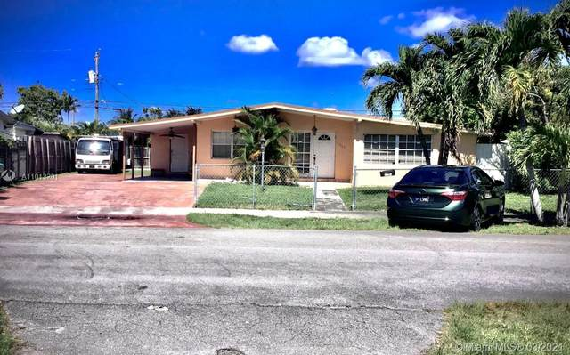 11365 SW 44th St, Miami, FL 33165 (MLS #A11013201) :: The Jack Coden Group