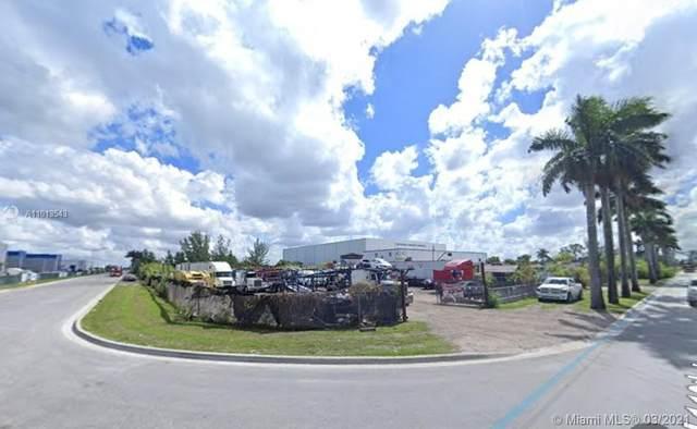 13901  Nw 112 Ave, Hialeah Gardens, FL 33018 (MLS #A11013543) :: The Teri Arbogast Team at Keller Williams Partners SW