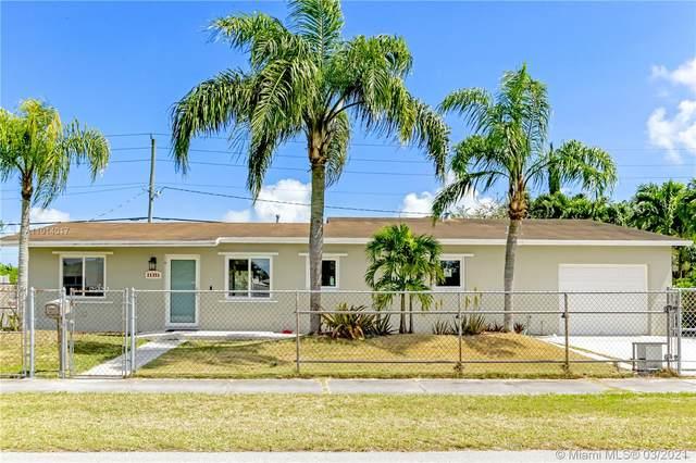 21351 SW 99th Ct, Cutler Bay, FL 33189 (MLS #A11014017) :: The Paiz Group