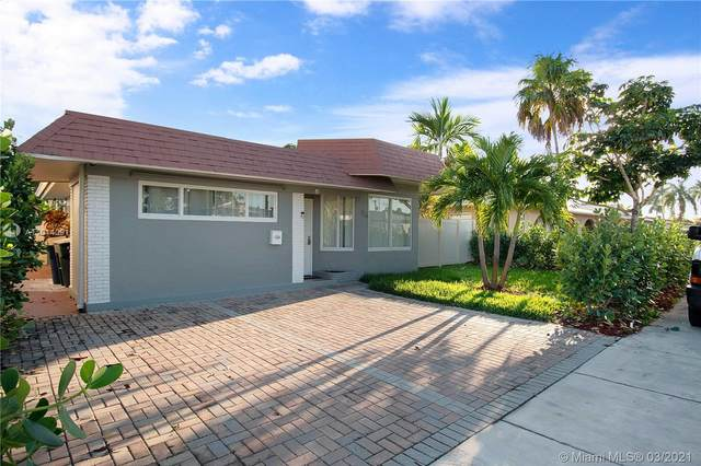 716 NE 7th St, Hallandale Beach, FL 33009 (MLS #A11014091) :: The Riley Smith Group