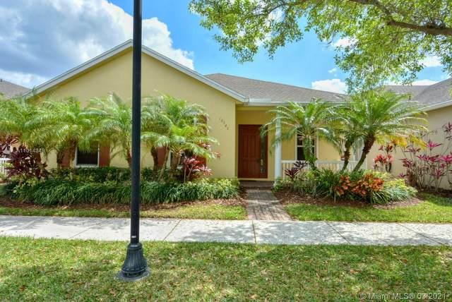 10540 E East Park Ave, Port Saint Lucie, FL 34987 (MLS #A11014349) :: The Riley Smith Group