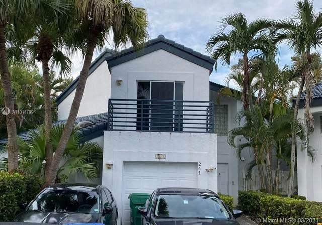 241 NE 212th St, North Miami Beach, FL 33179 (MLS #A11014799) :: The Pearl Realty Group
