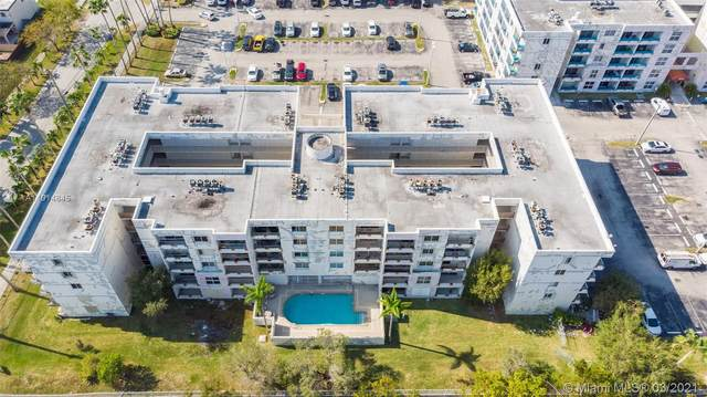 8201 NW 8th St 1-307, Miami, FL 33126 (MLS #A11014845) :: The Riley Smith Group