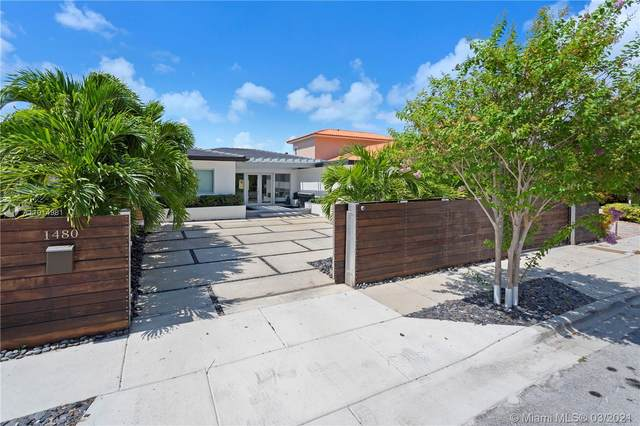 1480 Stillwater Dr, Miami Beach, FL 33141 (MLS #A11014981) :: The Riley Smith Group