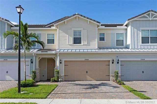 3944 Mahogany Ln, Hollywood, FL 33021 (MLS #A11015145) :: The Riley Smith Group