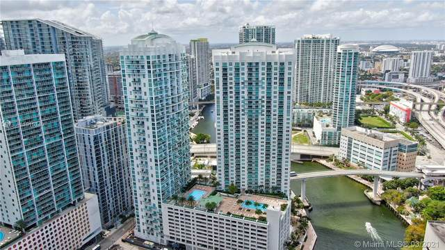 31 SE 5th St #4021, Miami, FL 33131 (MLS #A11015149) :: The Teri Arbogast Team at Keller Williams Partners SW