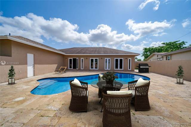 3401 S Longfellow Cir, Hollywood, FL 33021 (MLS #A11015283) :: Berkshire Hathaway HomeServices EWM Realty
