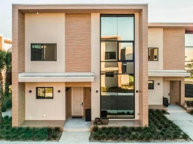 7473 Brooklyn Dr, Kissimmee, FL 34747 (MLS #A11015304) :: Castelli Real Estate Services