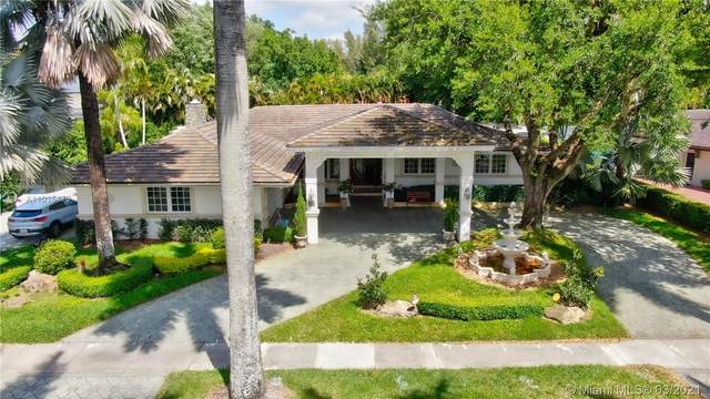 15761 Turnberry Dr, Miami Lakes, FL 33014 (MLS #A11015473) :: The Riley Smith Group