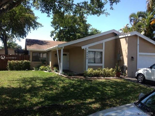 8948 NW 9th Pl, Plantation, FL 33324 (MLS #A11015812) :: The Teri Arbogast Team at Keller Williams Partners SW